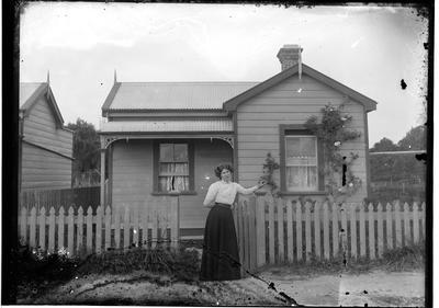 Glass plate negative; 1910-1920; 33404
