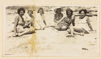 Jayceettes enjoying sunny Gisborne beaches