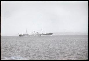 Ship in Tūranganui-a-Kiwa/Poverty Bay