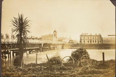 Tūranganui Bridge and Post Office