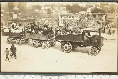 Traction Engine Pulling Carts