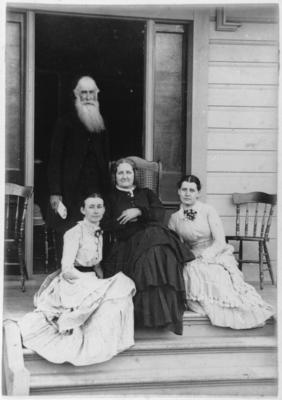 Archdeacon W Leonard Williams, Sarah Williams and daughters Edith and Agnes Williams; 33630