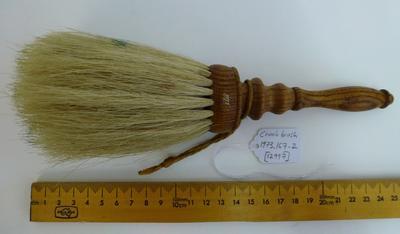 Crumb brush