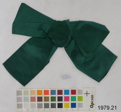 Clothing bow