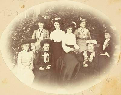 Women of the Williams family