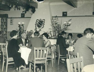 Chalet Rendezvous dining room