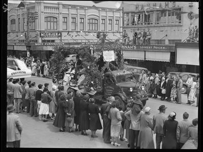 Civic Procession: Gisborne Old Folks Club