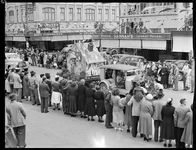 Civic Procession: Gisborne Caravan Club
