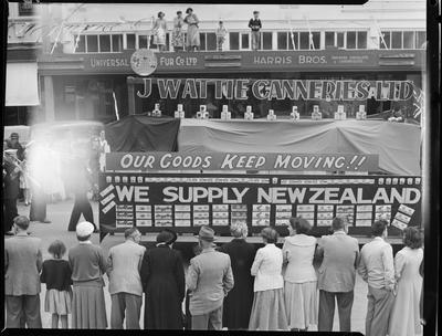 Civic Procession: J Wattie Canneries.; Nov 1952; 42669