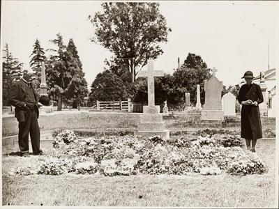 Ida Lysnar's Grave; 42829