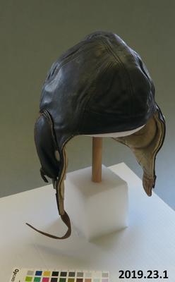 Aviator's helmet