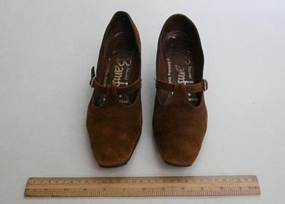 Shoe; 4052
